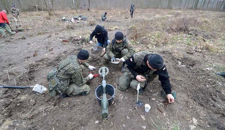 """Poszukiwania Żołnierzy """"Bartka""""!"""